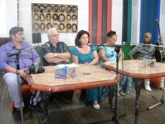 Durante la presentación del disco, la familia del Comandante Almeida.