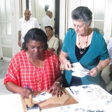 Miembros del Comité Central del Partido, Lázaro Expósito Canto, su Primer Secretario en la provincia Santiago de Cuba y Beatriz Johnson Urrutia, Presidenta del Órgano de Gobierno