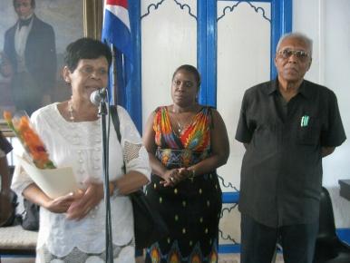 Durante el evento de entrega de la Placa Heredia para Cinco Destacados Artistas Santiagueros