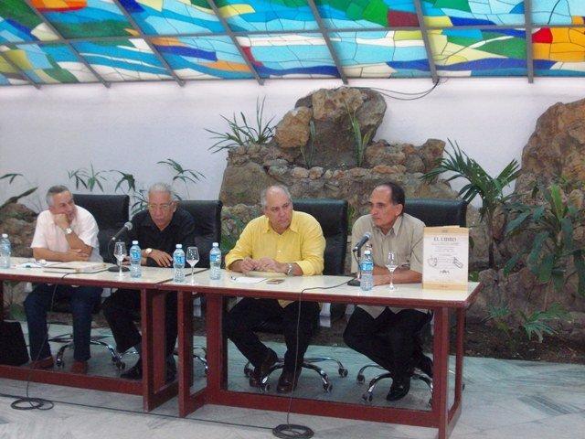 Juan Rodríguez Cabrera, Doctor Eduardo Torres Cuevas Alpidio, Alonso Ministro de Cultura y el Doctor Reynaldo Suárez Suárez