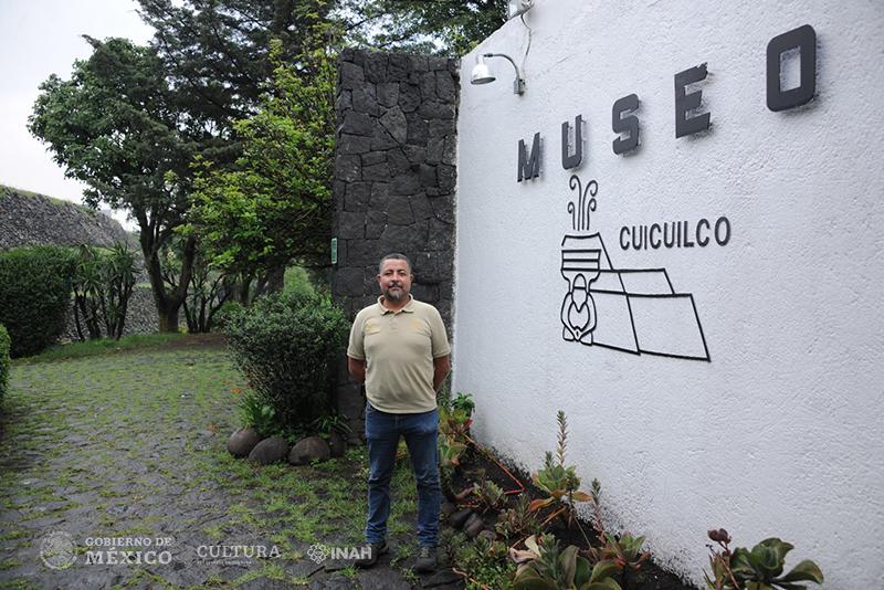 Arqueólogo Ramón López