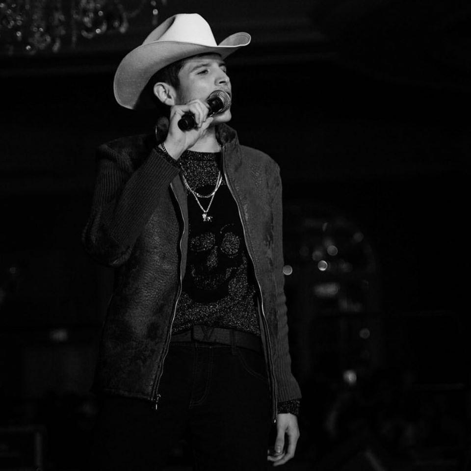 Aldo Trujillo, cantante